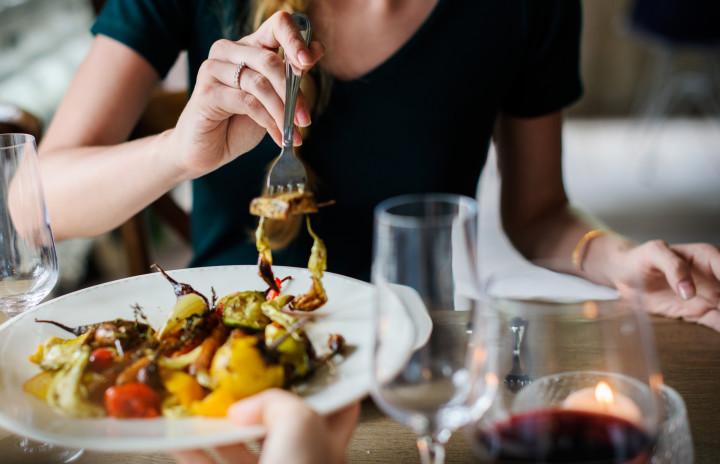 food, vegetables, sharing dinner