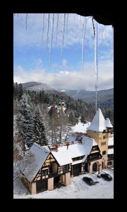 Ski town, snow, mountain town