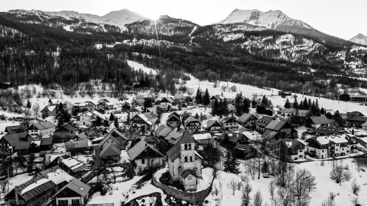 ski town, mountain town, hiking, mountain air, snow, beautiful