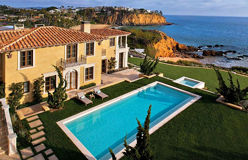 Riviera house, Cliffside, ocean front, pool