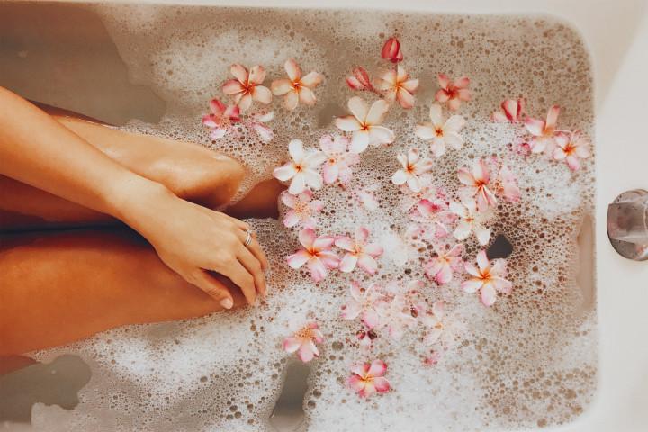 Relaxing, self love, self care, baths, healthy skin