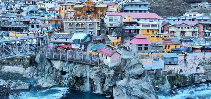 Travel, Cliffside, Colorful houses, mountain town, mountain air