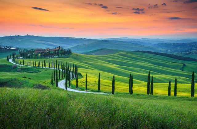 Tuscany, Italy! On my vision list!! Stunning vacation spot
