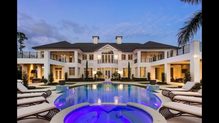 stunning mansion with pool